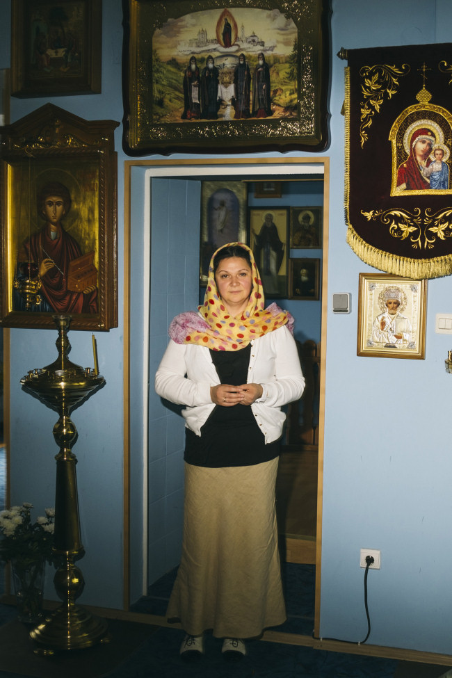 Marina Kölpin w rosyjsko-prawosławnej cerkwi. W Rosji studiowała ekonomię, w Rostocku pracuje na kasie. Zdj. Hannes Jung