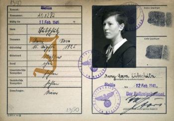 Kennkarte Anny Lübschütz, wystawiona 12 lutego 1940 r. Zdj. Archiwum Państwowe w Szczecinie.